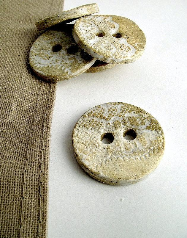 Laced Cream Buttons set of 6 Stoneware Buttons by lofficina