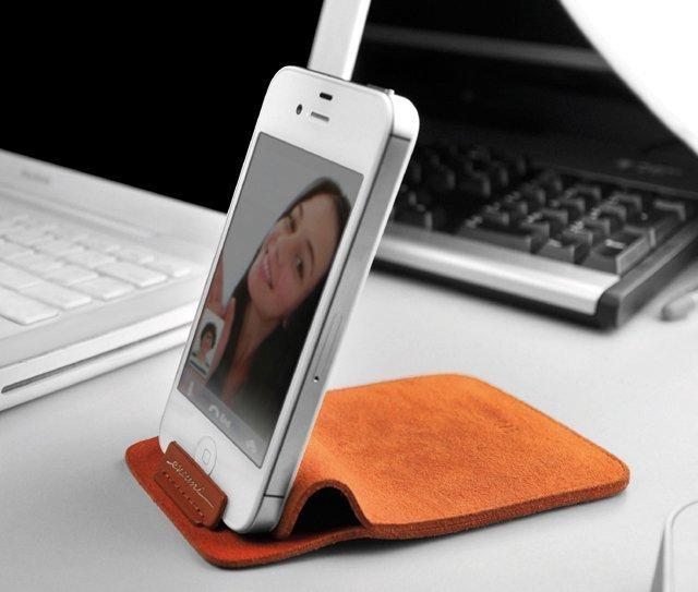 Smartphone Stand Pouch by Evouni | Fancy Crave