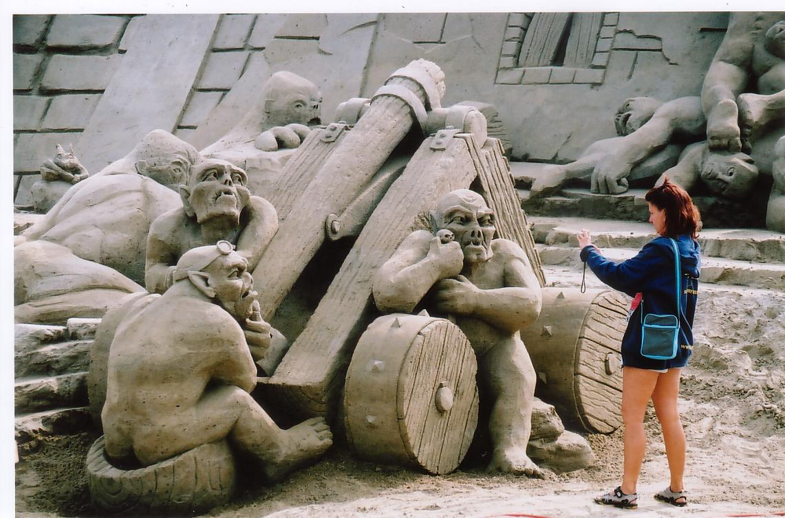 10 Amazing Sand Sculptures