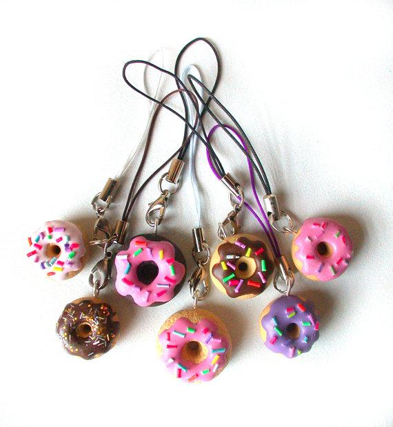 Doughnut phone charm by SilviaOrtizDeLaTorre on Etsy