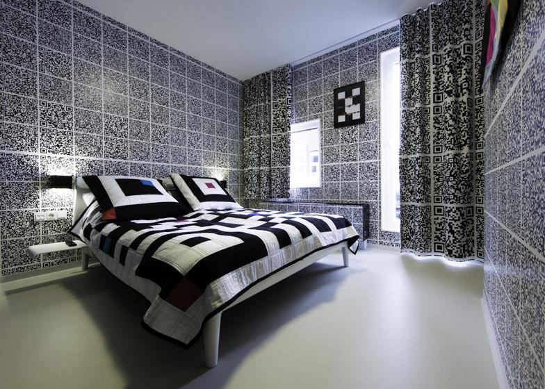 QR-Code Hotel Room by Antoine Peters