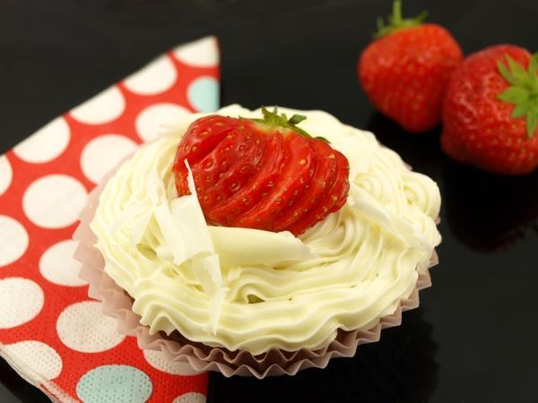 food,strawberries food strawberries cakes icing 3648x2736 wallpaper – Cake Wallpapers – Free Desktop Wallpapers