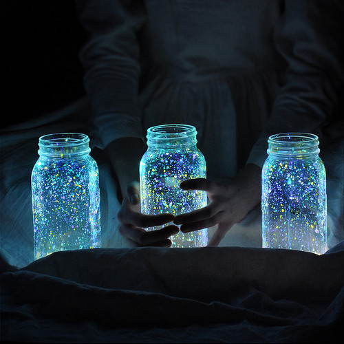 How to: Make Glowing Firefly Jars » Curbly | DIY Design Community « Keywords: firefly, summer, outdoor, Craft
