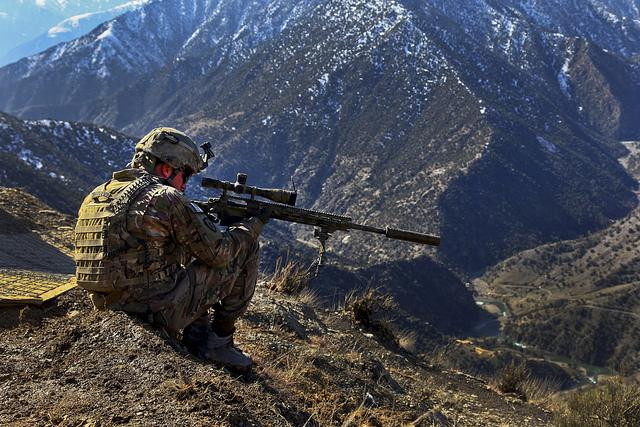 30 Intense Military Photos   inspirationfeed.com