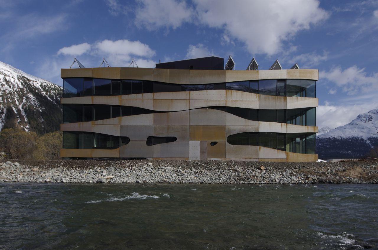 505150c828ba0d16b7000077_commercial-building-islas-mierta-kurt-lazzarini-architekten_866_aussen_fassade_inn_gk.jpg (1280×848)