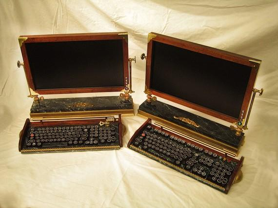 Steam Punk Monitor and Keyboard | Fancy Crave