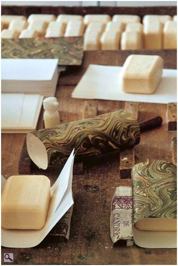 Savonnerie artisanale Martin de Candre : fabrication du savon, procédé marseillais, 100% végétal
