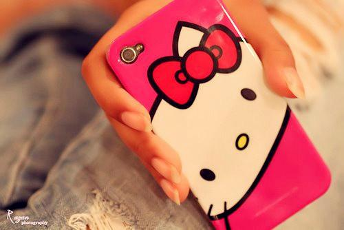 Google Image Result for http://img.loveitsomuch.com/uploads/201204/13/cute%2520hello%2520kitty%2520iphone%2520case-f20302.jpg