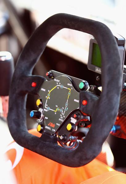 Sydney 500 V8 Supercars - Qualifying & Race - Pictures - Zimbio