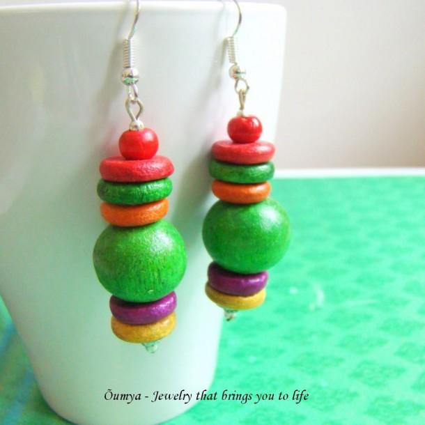 Wooden bead earrings - Green - Craftsia - Indian Handmade Products & Gifts