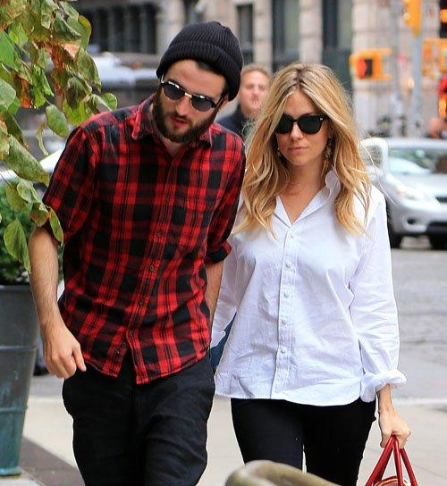 Sienna Miller and Tom Sturridge | Celebrity-gossip.net