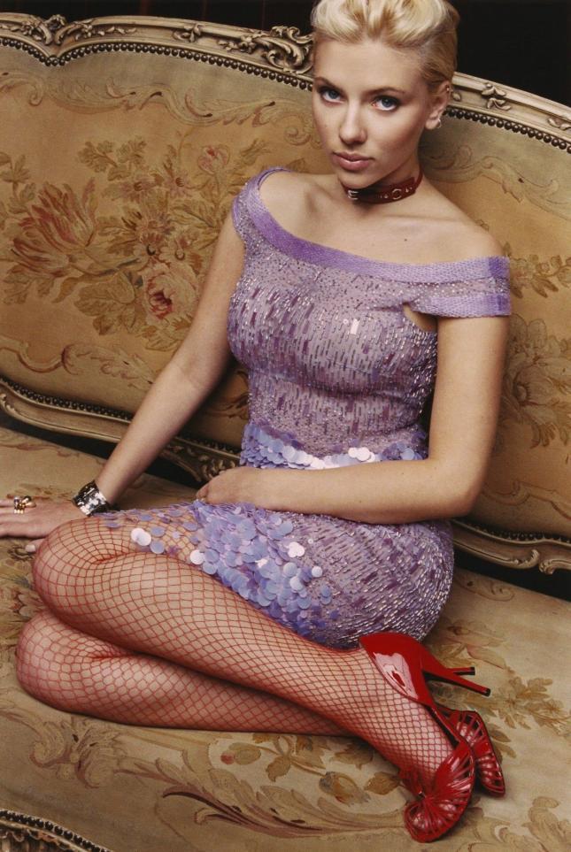 Scarlett Johansson looking very fetching - Imgur