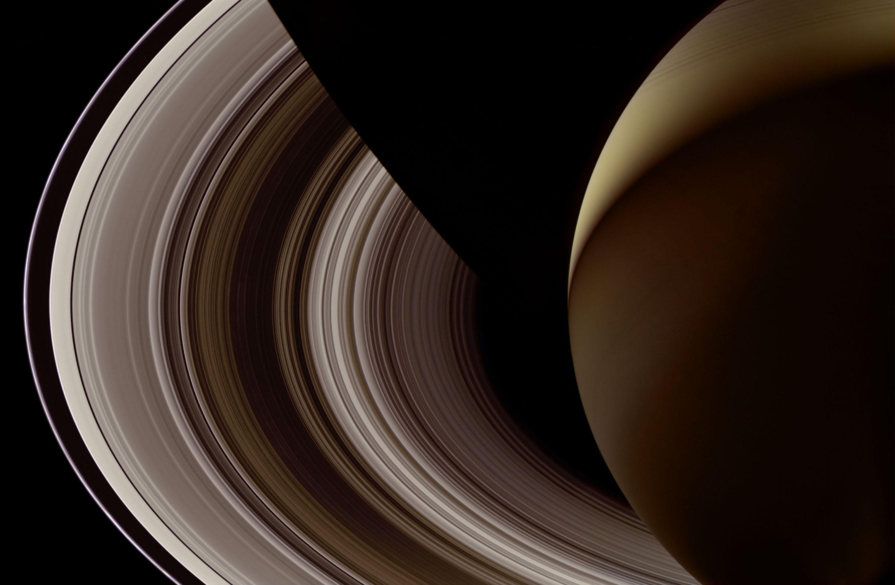 Saturn_nightside_Final3_8bits_print.jpg (2994×1957)
