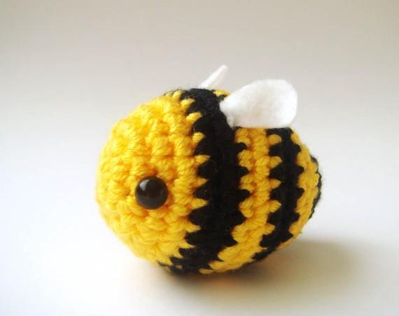 Crochet Bumble bee Buzz Bee toy par sabahnur sur Etsy