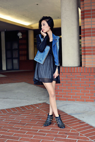Dv By Dolce Vita Dresses, Jeffrey Campbell Boots |