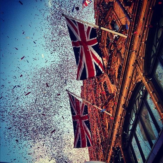 <3 / Thanks to @thatmfeeling #Harrods #DiamondJubilee #Jubilee #Balloons #Flags