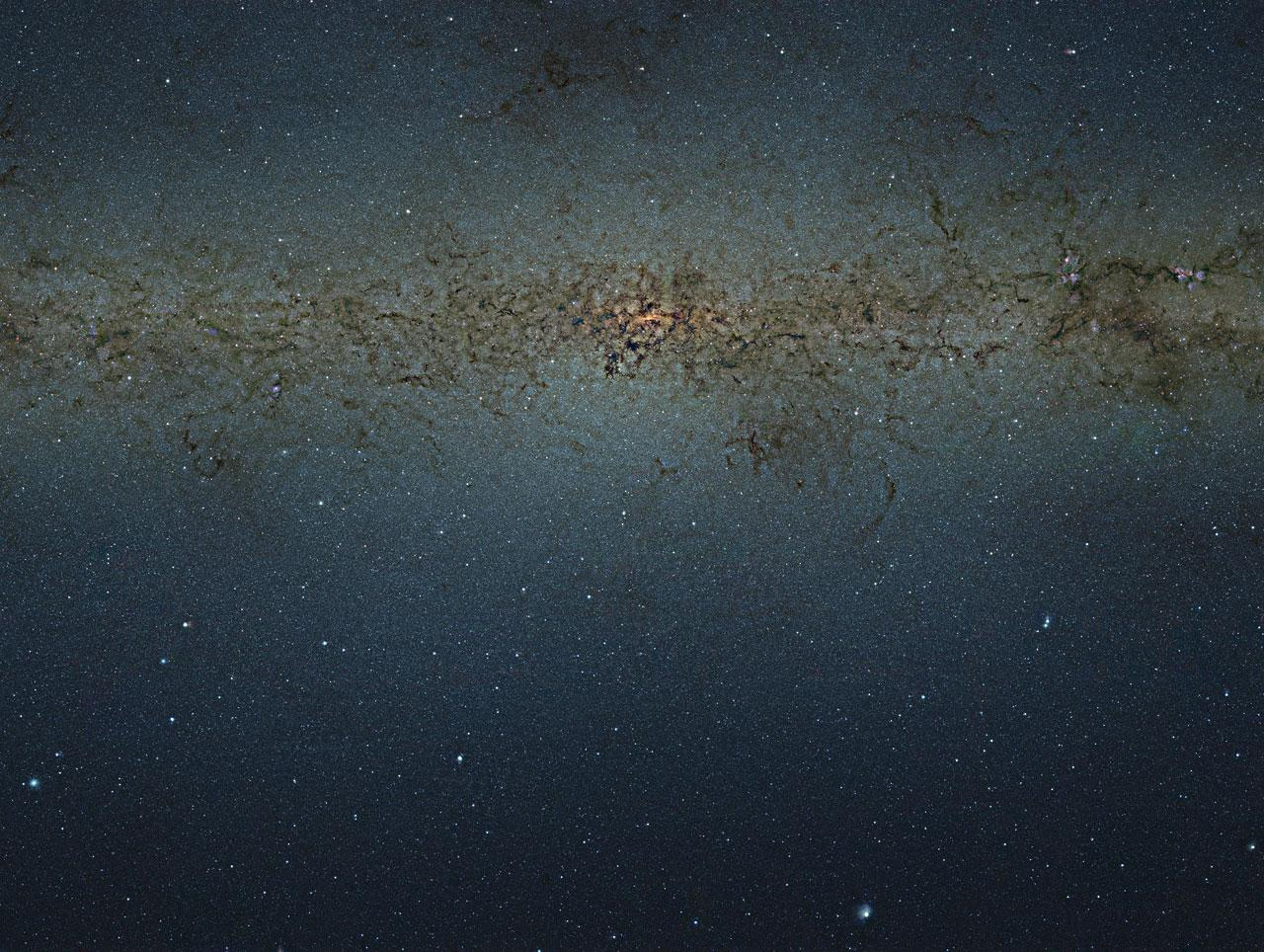 ESO - eso1242a - VISTA gigapixel mosaic of the central parts of the Milky Way