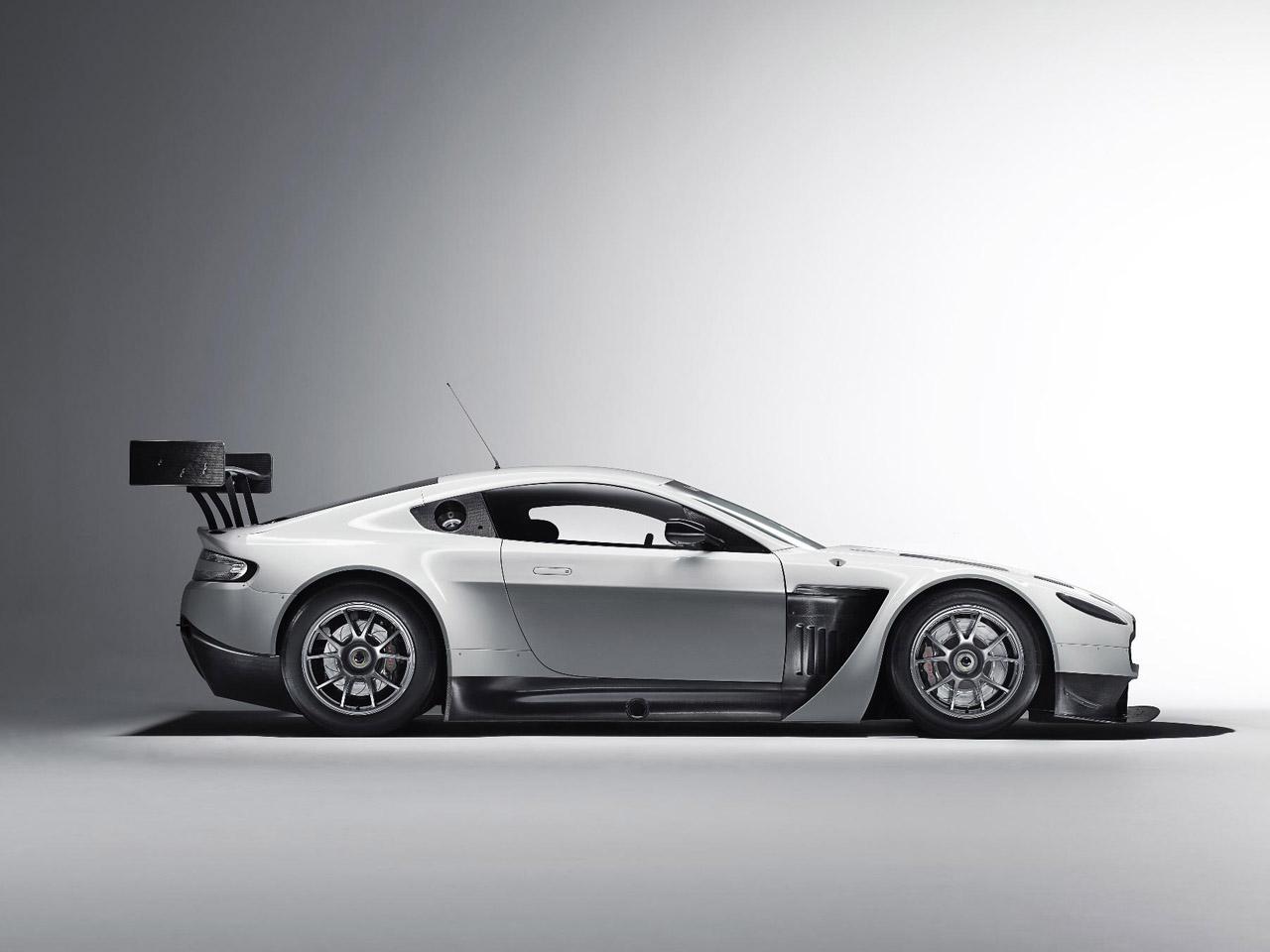 Aston Martin V12 Vantage GT3 Photo Gallery - Autoblog
