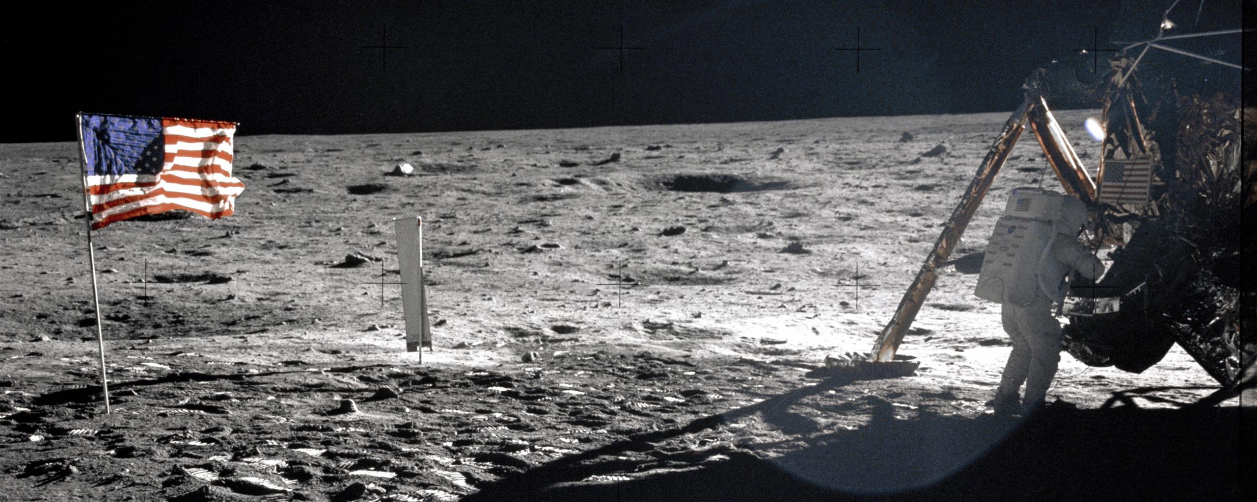 Armstrong.jpg (2560×1024)