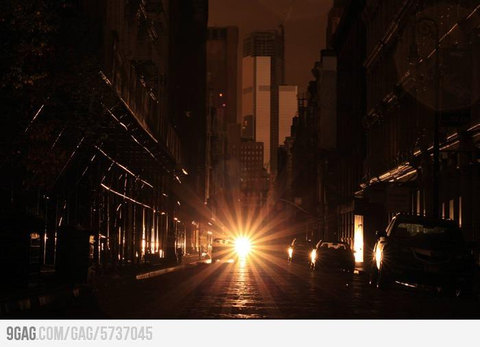 9GAG - Manhattan Blackout