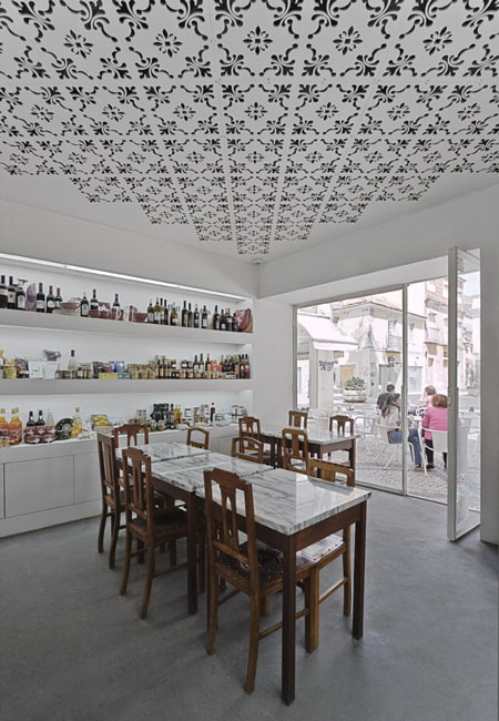 Dezeen » Blog Archive » Delicatessen FugasLusas by EXTRASTUDIO Arquitectura