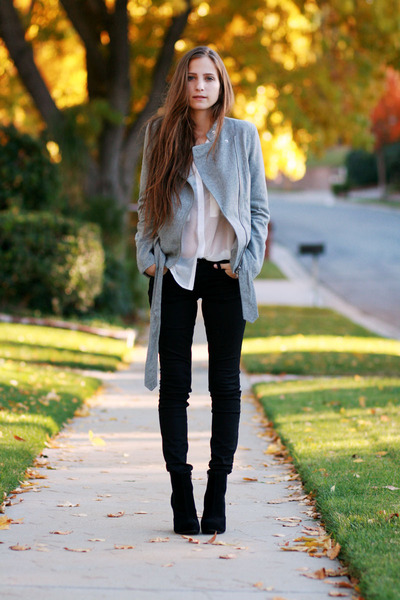 Black Platform Boots, Black Coated Jeans, White Button Up Blouse |