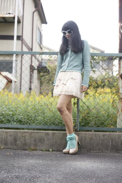Iwearsin Skirts, Tabio Socks, Vintage Cardigans, Shimamura Heels |