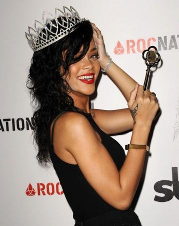 Rihanna is The Queen of the 2012 West Hollywood Halloween Carnival | Celebrity pictures, gossip, movie and music at MakeUsHot.Com