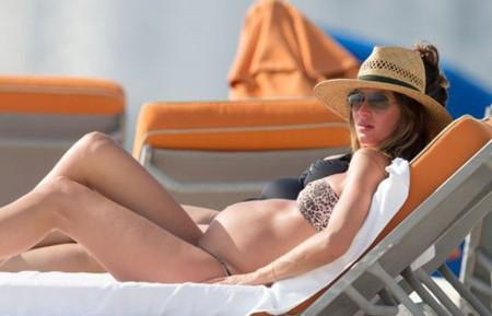 Gisele Bundchen Shows Off Huge Baby Bump In Bikini on The Beach in Miami | Celebrity pictures, gossip, movie and music at MakeUsHot.Com