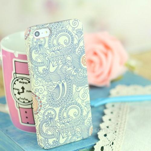 3D Classic Decorative Pattern Case for iPhone 5 with Stylish Cover - iPhone5casefans.com