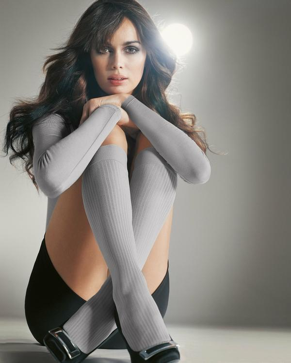 women,gray women gray socks mia rosing 2000x2496 wallpaper – women,gray women gray socks mia rosing 2000x2496 wallpaper – Socks Wallpaper – Desktop Wallpaper