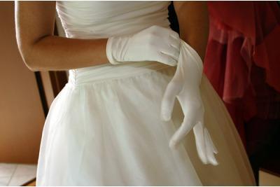 Finale Gloves Silk Ladies Gloves www.finalegloves.com