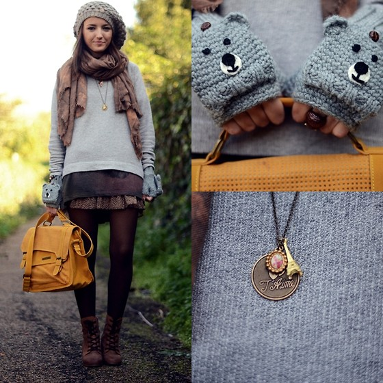 Asos Gloves, Friis&Company Bag, Pull&Bear Sweater, Bit Booties, Les Jumelles Pendant //