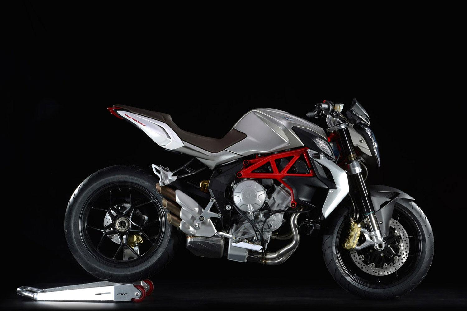 MV Agusta Brutale 800 - Car Body Design