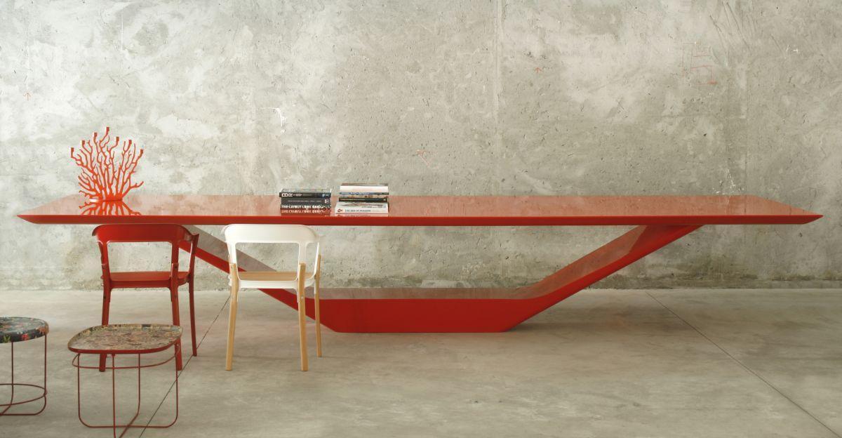 JET Table JET Table Design by Guilherme Torres