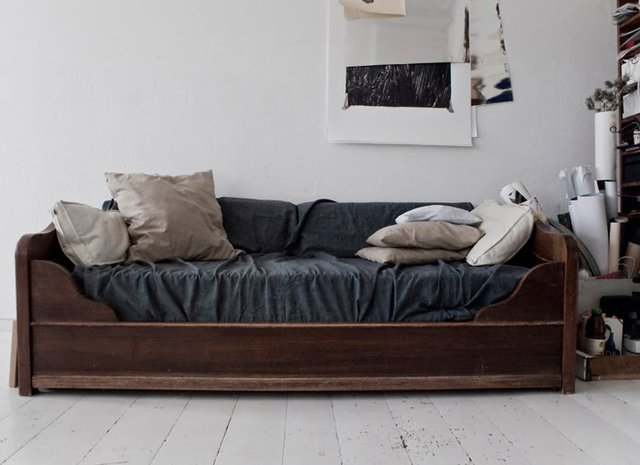 Fancy - Walnut Frame Sleeper Sofa