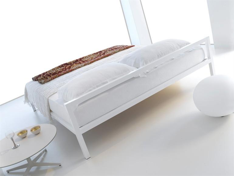 ALUMINIUM BED ALUMINIUM BED ALUMINIUM COLLECTION BY MDF ITALIA | DESIGN BRUNO FATTORINI