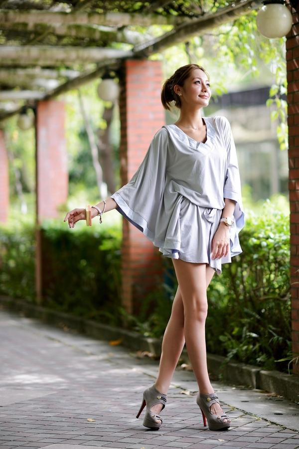 women,legs legs women high heels asians bracelets earings 1119x1680 wallpaper – legs Wallpapers – Free Desktop Wallpapers