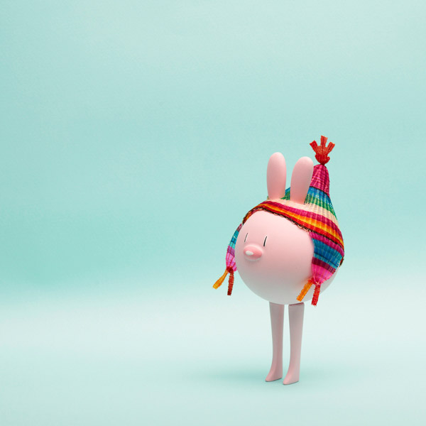 http://mocoloco.com/fresh2/upload/2011/12/crin_toy_collection_by_camila_de_gregorio_christopher_macaluso/crin_toy_eggpicnic_2b.jpg