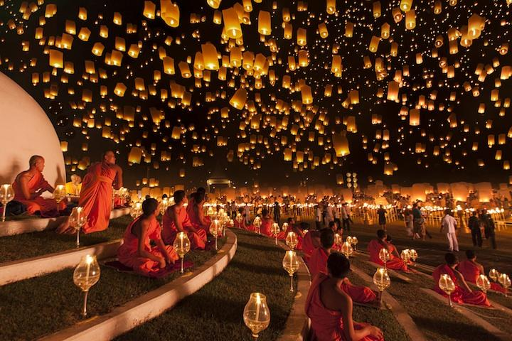 Magnificent Night Sky Filled with Thousands of Lanterns | Just Imagine – Daily Dose of Creativity