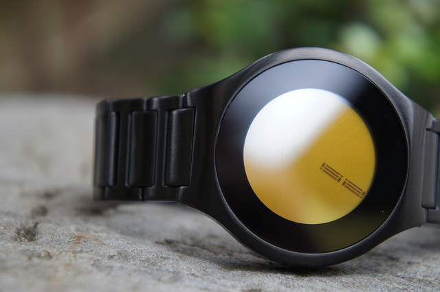 Kisai On Air Touch Screen Minimal LCD Watch Design From Tokyoflash Japan | Flickr - Photo Sharing!