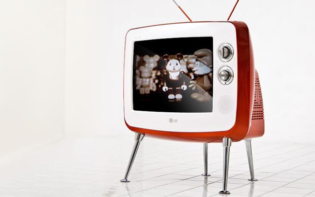 LG Retro Classic TV | FancyCrave