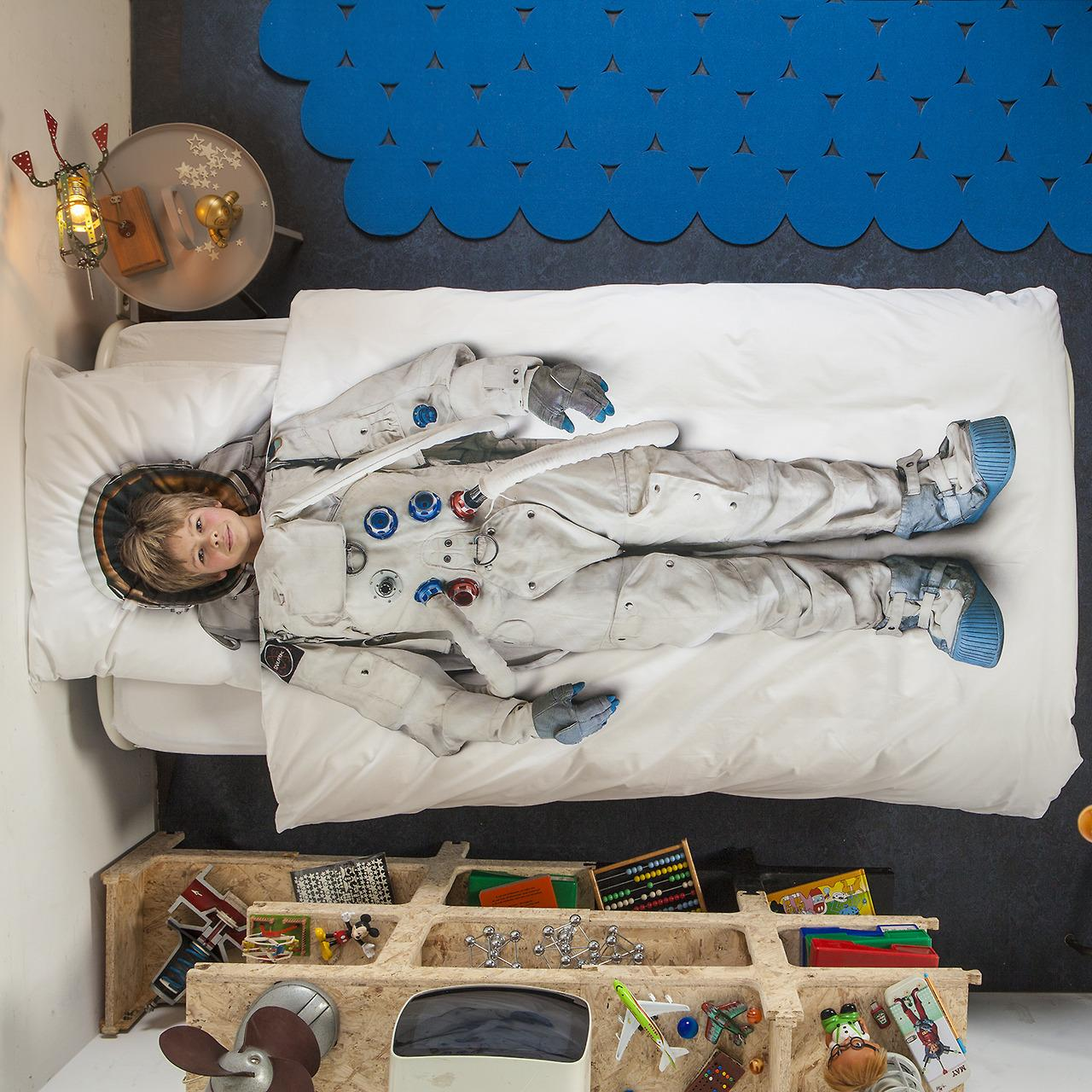 MyEDOL • Astronaut Bed Sheets by Snurk I stumble upon so...