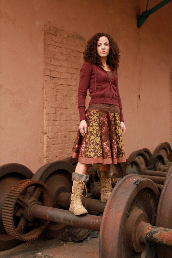 Lady's Kneelength Pinwheel Circle Skirt in Warm by loimestudios