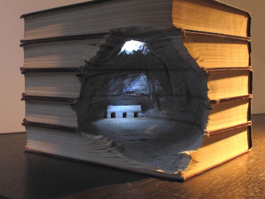book sculptures by Guy Laramee | THEINSPIRATION.COM l THIS IS WHâ–²T INSPIRES US