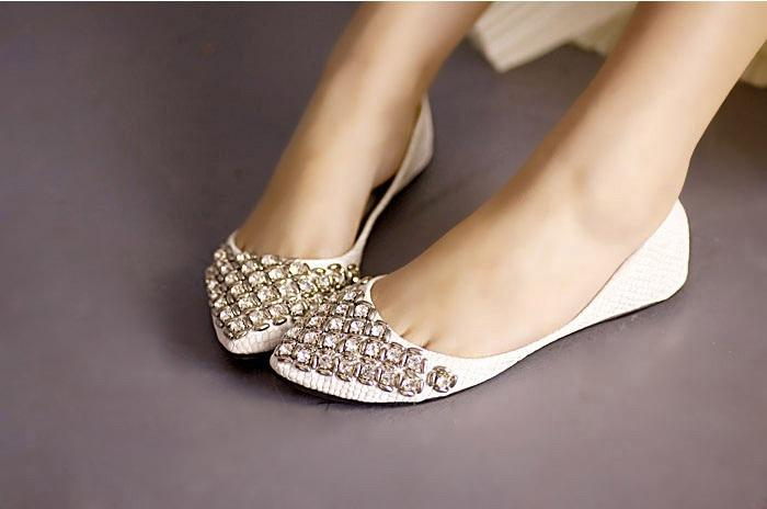 Women's slippers, Shoes for women and Cheap shoes on Pinterest