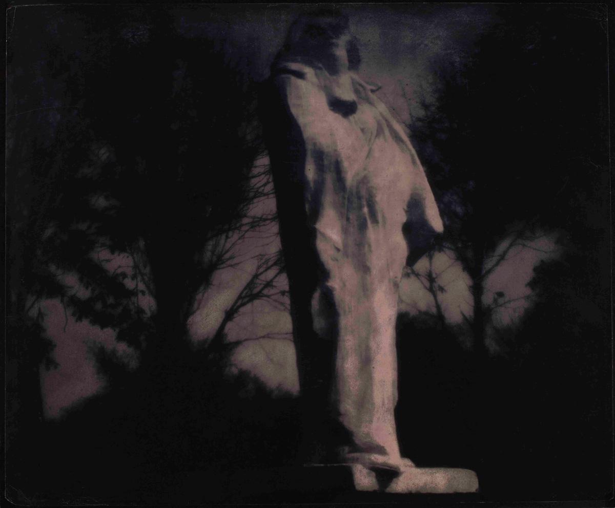 edward-steichen-midnight-rodin_s-balzac-1908.jpg (1200×992)