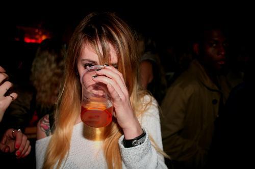 Alcohol Drunk Fashion Girl Kisssmytan Party Tattoo - PicShip