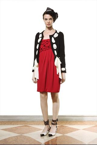 Moschino Cheap & Chic Pre-collezioni Primavera-Estate 2011 - Sfilate - Moda - Style.it