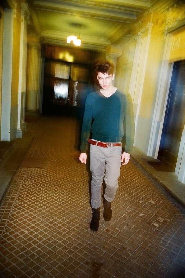 Gritty Hallway Captures - The Maciej Swidnicki by Stanislaw Boniecki Portrait Series Sees Green (GALLERY)